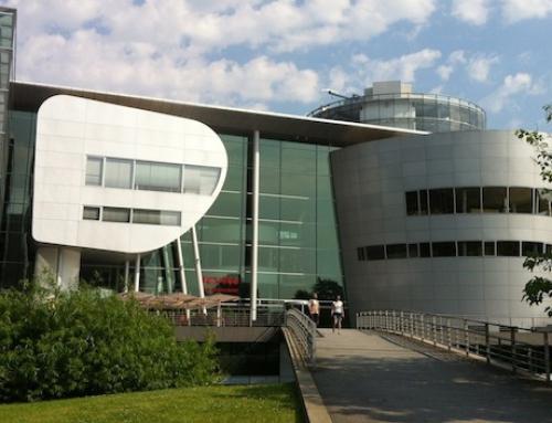 Roboter Walking Act beim VW Group Award 2013 in der gläsernen Manufaktur Dresden