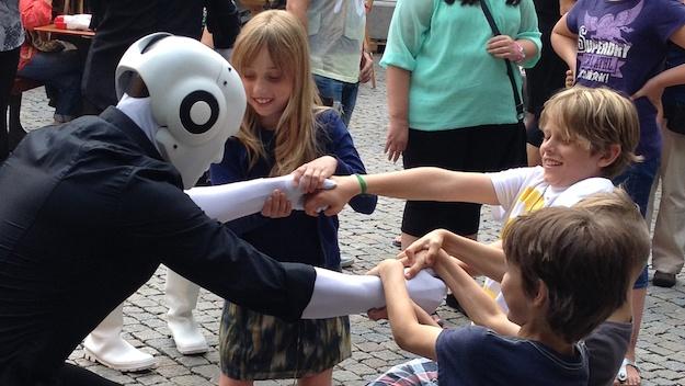 Theaterfestival Boulevard 's-Hertogenbosch, Niederlande Kinder ziehen