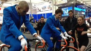 VDMA auf HMI 2015 Fahrräder Kuka