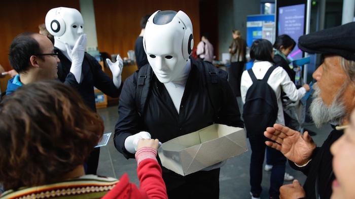 Tag der offenen Tür Künstler Bundestag Roboter Flyer