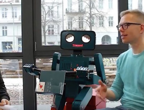 Interview: Maker Story über Hugo den sprechenden Roboter im Fab Lab Berlin (Video 3:21 Min)