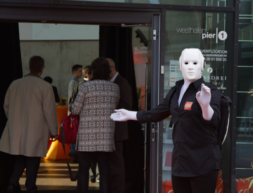 Frankfurt: Summit Event mit Pantomime Roboter Act für GFK
