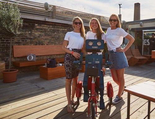 Avignon Capital: Sommerparty in der Escobar Berlin mit Hugo dem sprechenden Roboter