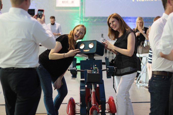 Hugo Roboter Pause Be inside Köln