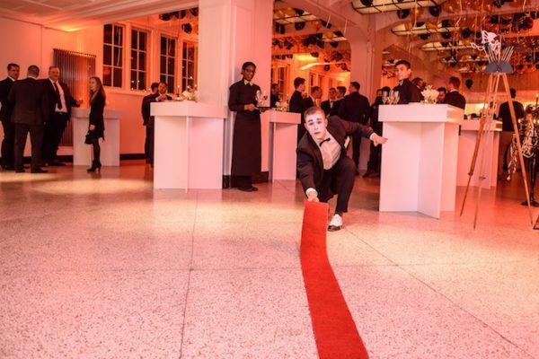 Künstler Hochzeit roter Teppich