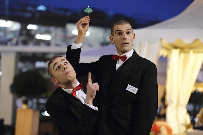Pantomime Visual Comedy Butlers mini Regenschrim Cocktail schirmchen regen Wustermark