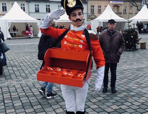 Nussknacker-Walk-Act: Eröffnung Weihnachtsmarkt Neuruppin