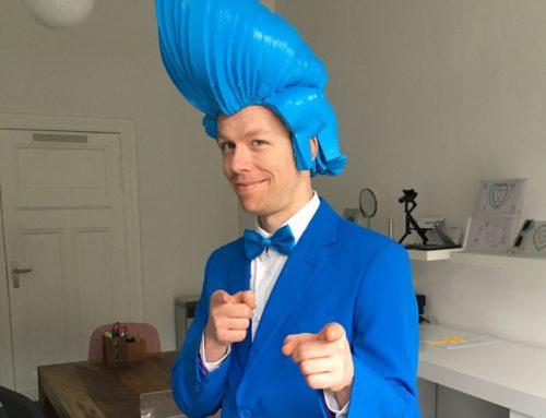 """""""Billy Blue"""": Künstler und Walkact Charakter zum Thema """"blau"""""""